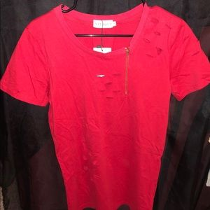❤️2 for $20❤️Red trendy ripped shirt w/side zipper